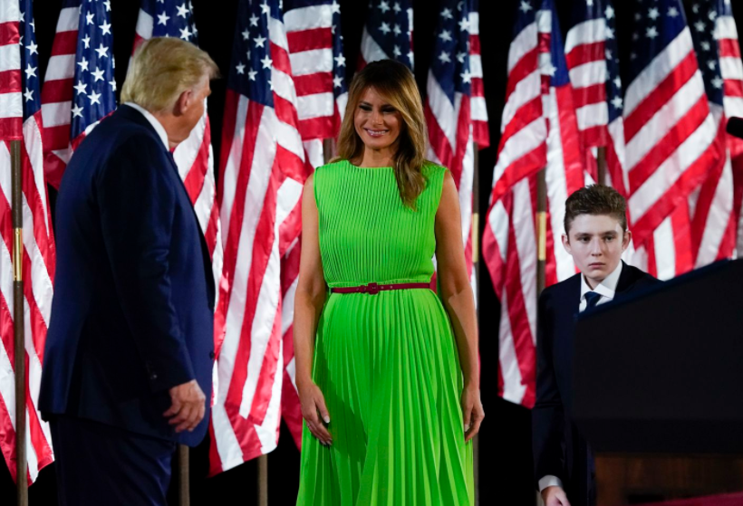 Melania Trump's green dress that becomes the target of attacks on the president