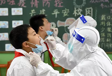 Plastic visors in China and online classes in South Korea: this has been the return to class in Asia