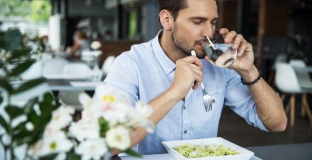 Compelling reasons to eat with water