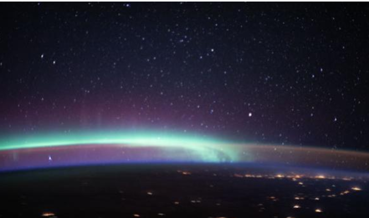 The incredible space photo that captures two terrestrial phenomena in a single image