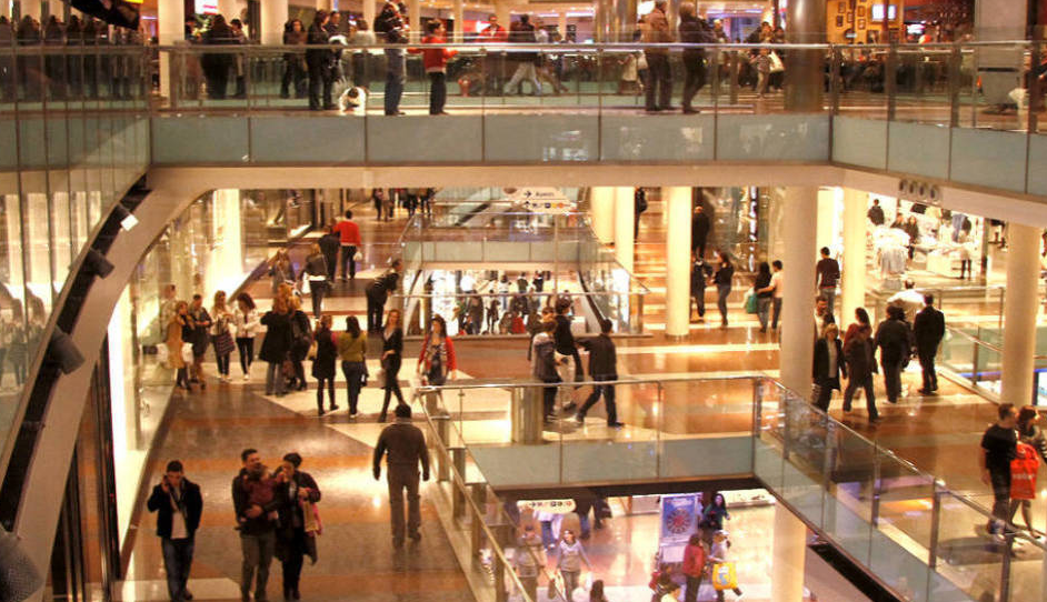 Hit the shopping centers: Plenilunio is prohibited from executing a small business