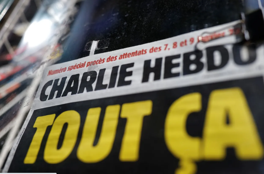 Instagram closes the account of two 'Charlie Hebdo' comedians who published a cover with Muhammad